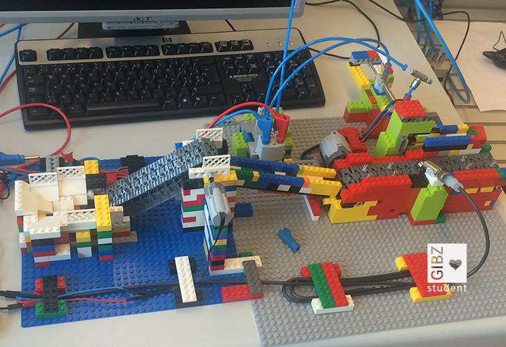 """Die Legocracks an den GIBZ """"Open doors"""""""