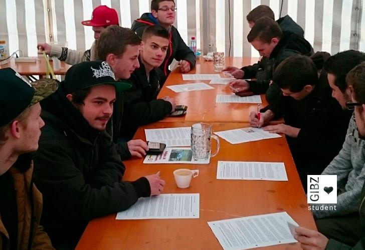 Fahrdynamik : die Klasse AMT4 am Fahrdynamik-Tag in Buochs