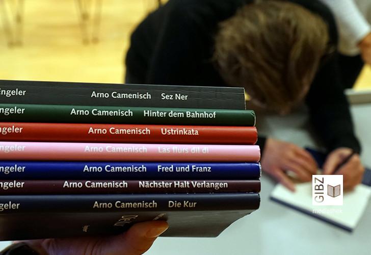 Von Curvas & Cravattas – Lesung mit Arno Camenisch