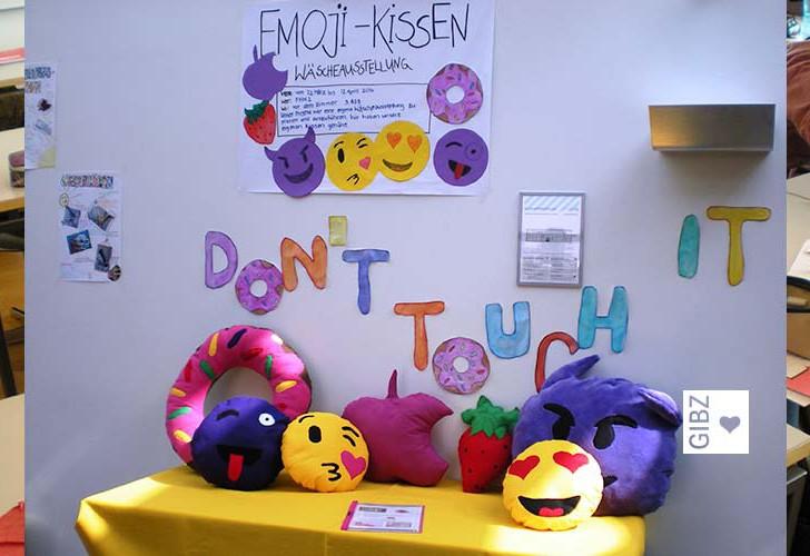 Aus Alt mach Neu oder wie Emoji-Kissen ins GIBZ kamen – Klassenprojekt FHW2