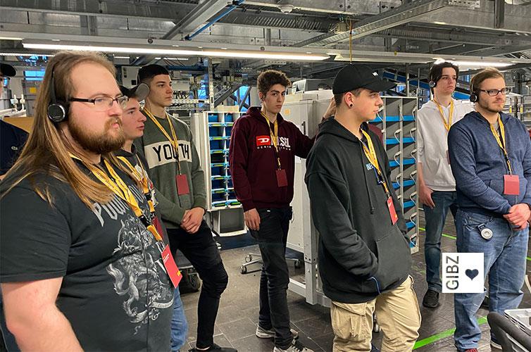 Drei Informatik-Klassen auf Exkursion zum Thema Applikationssicherheit