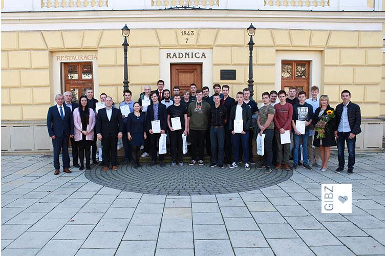 TatraTEA: wo Tee draufsteht ist nicht immer Tee drin… – Ausbildungsmodul  CNC Programmierung an der Technická akadémia in Spisska