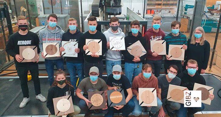 """Zeit ist Holz – überbetrieblicher Kurs """"CNC für Schreiner im 4. Lehrjahr"""""""